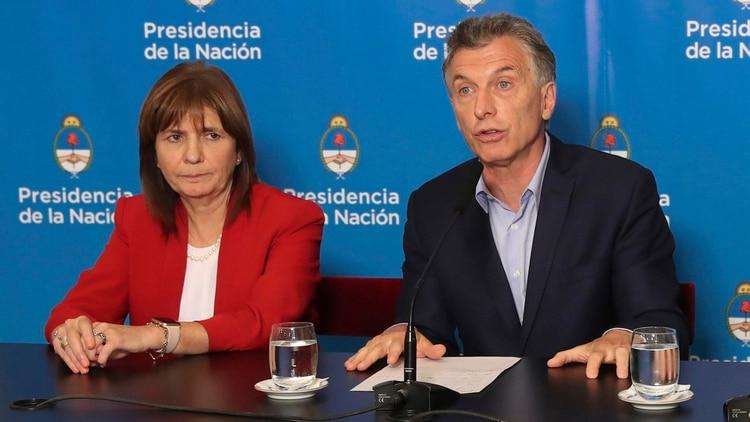 La ministra Patricia Bullrich junto al presidente Mauricio Macri (Foto: NA)