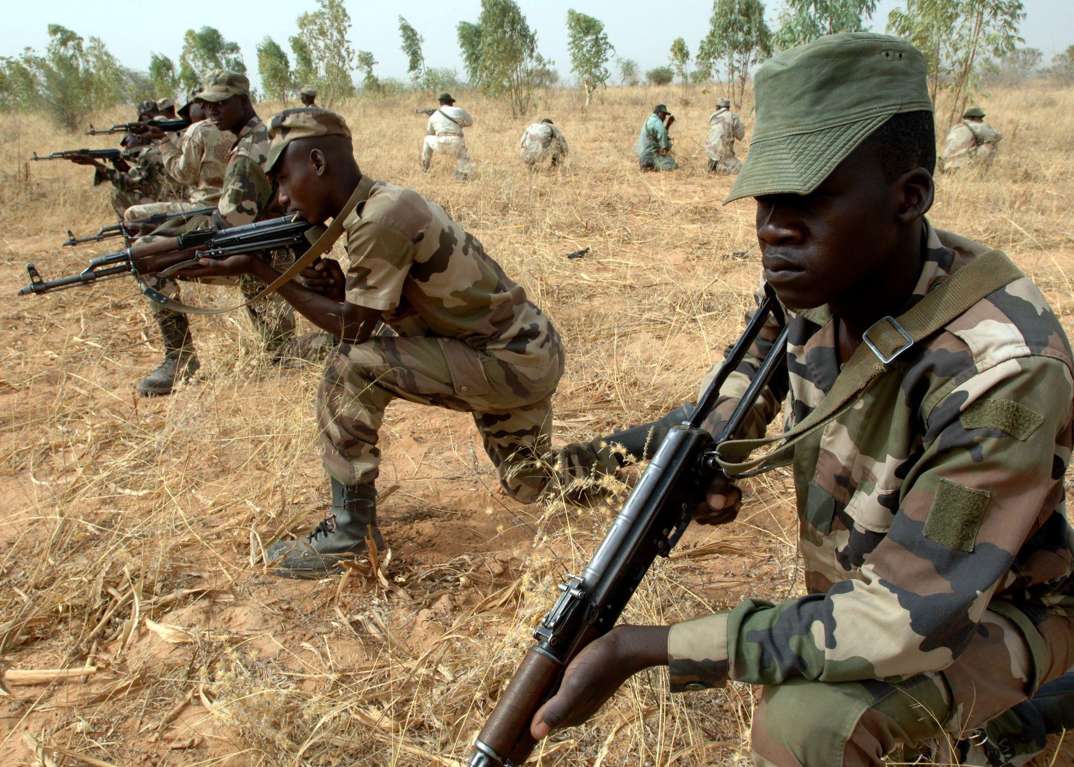 06-04-2007 Militares de Níger en sesión de entrenamiento POLITICA AFRICA INTERNACIONAL EJÉRCITO DE EEUU /EJÉRCITO DE NÍGER