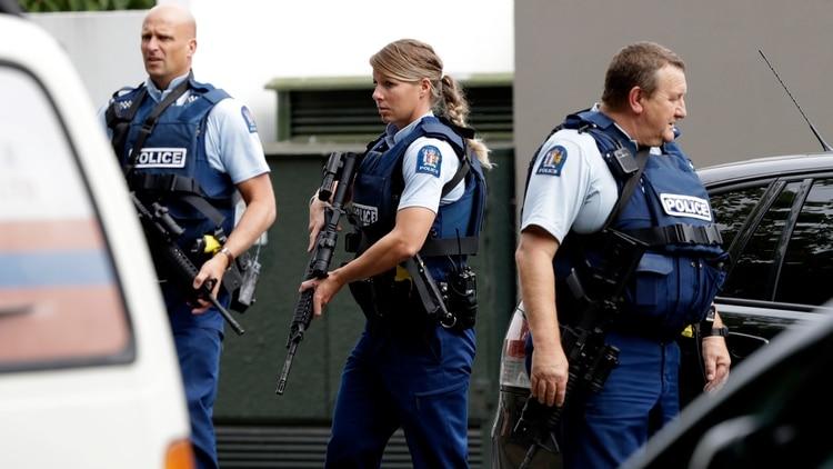 La policía llega al lugar del ataque (AP)
