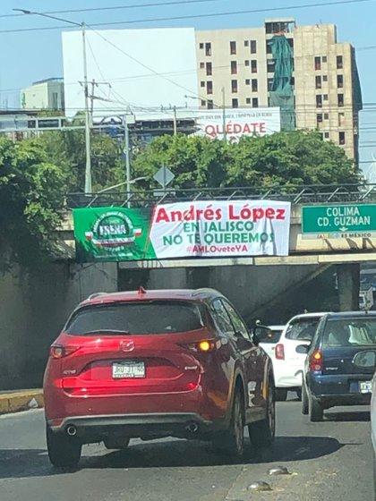 La protesta en contra del presidente Andrés Manuel López Obrador se realiza en 70 ciudades del país, de acuerdo con sus organizadores (Foto: @tiavosx)