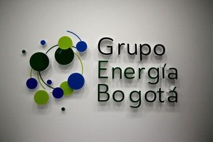 Foto de archivo. El logo del Grupo Energía de Bogotá, se ve en sus instalaciones, en Bogotá, Colombia, 14 de febrero, 2020. REUTERS/Luisa González