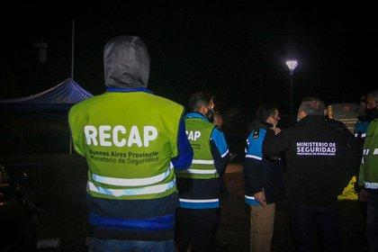 Personal de distintos organismos bonaerenses participaron en los operativos para desarticular 14 fiestas clandestinas (Ministerio de Seguridad PBA)