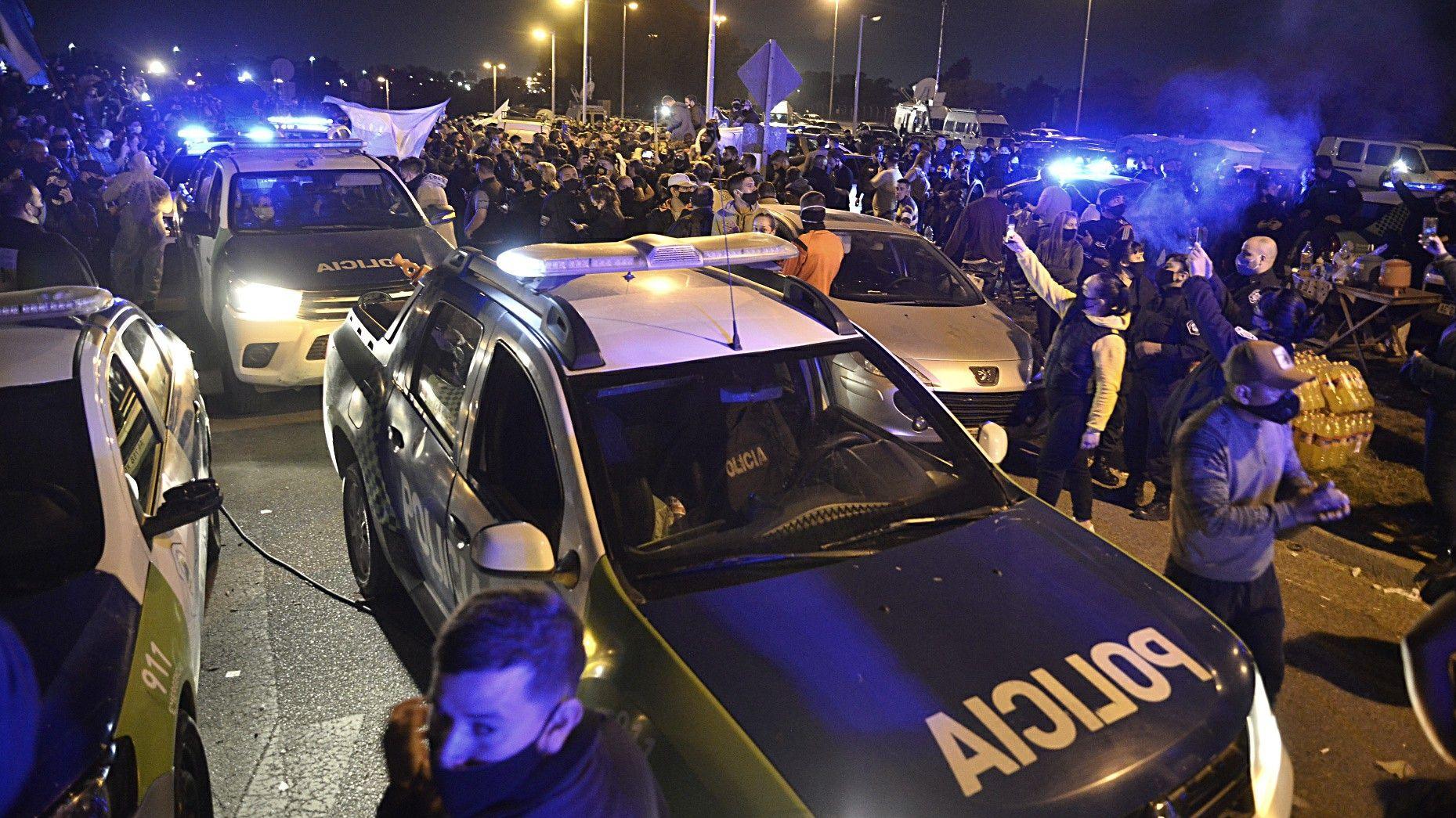 Marcha - Protesta - Reclamo de la policía Bonaerense - La Matanza