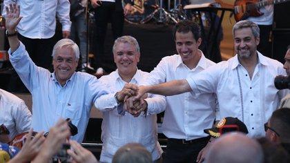 Guaidó sale de Venezuela y se reúne con mandatarios de América del Sur