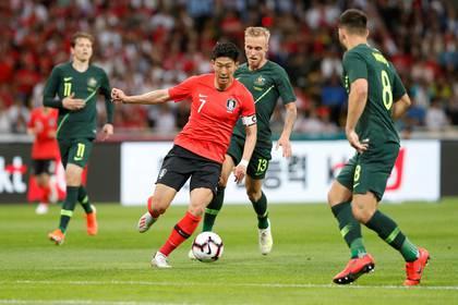 Son se convirtió en una de las estrellas del fútbol de Corea del Sur (Reuters)