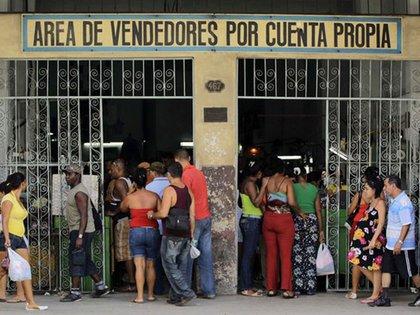 Más allá de los cambios esperados con la salida de Raúl, los cubanos siguen más atentos a la grave crisis económica que sacude al país y a la necesidad de reformas