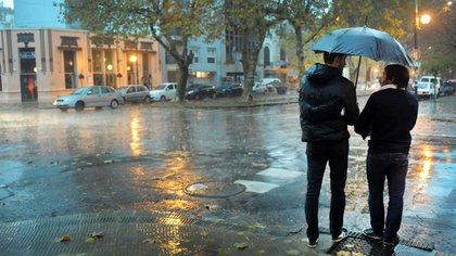 Una fuerte lluvia se desató en la zona metropolitana. En La Plata cayeron 200 milímetros (Foto: Archivo NA)