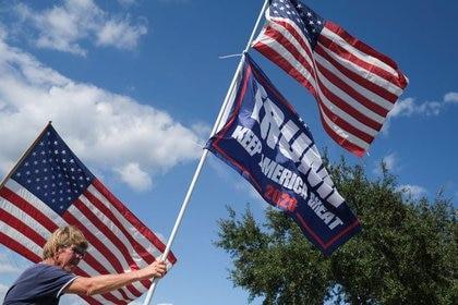Partidario del presidente de Estados Unidos, Donald Trump, en Sanford, Florida, Estados Unidos, el 12 de octubre de 2020. REUTERS / Ricardo Arduengo