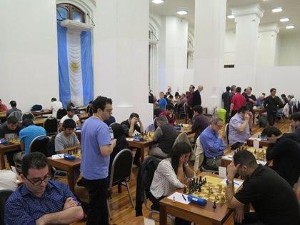 El Palacio de Aguas es sede del festival donde participan cuatro de los cinco mejores jugadores de Argentina.