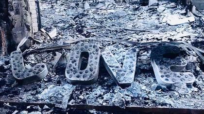Los restos de la casa del actor Liam Hemsworth (@liamhemsworth)