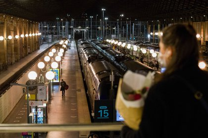 Travelers at Gare du Nord railway station, ahead of a national lockdown, in Paris on Oct. 29.