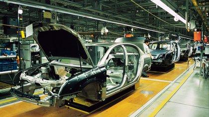La terminales automotrices mantienen bajo nivel de actividad por el receso de Brasil Shutterstock 162