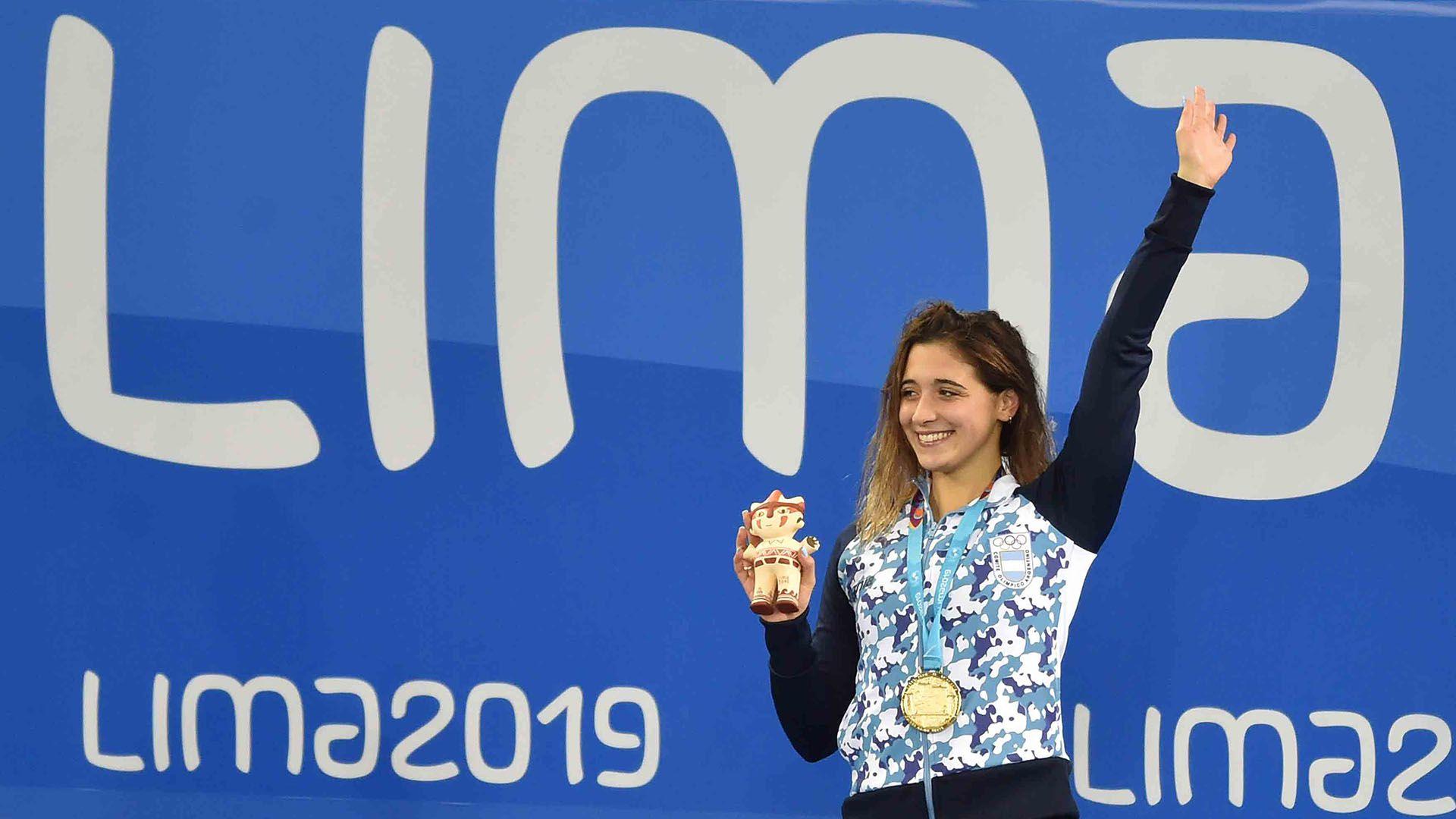 Delfina Pignatiello celebra otra dorada en los Juegos Panamericanos Lima 2019 (Photo by Cris BOURONCLE / AFP)