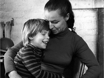 Etan y su madre Julie (Foto: Familia Patz)