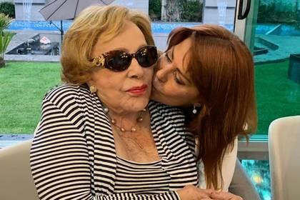 Silvia Pinal se sometió a un tratamiento estético que le dejó secuelas, tal como ocurrió con su hija, Alejandra Guzmán (IG: laguzmanmx)