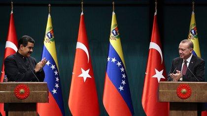 Los regímenes de Venezuela y Turquía han mantenido estrechas relaciones en los últimos años (AP)