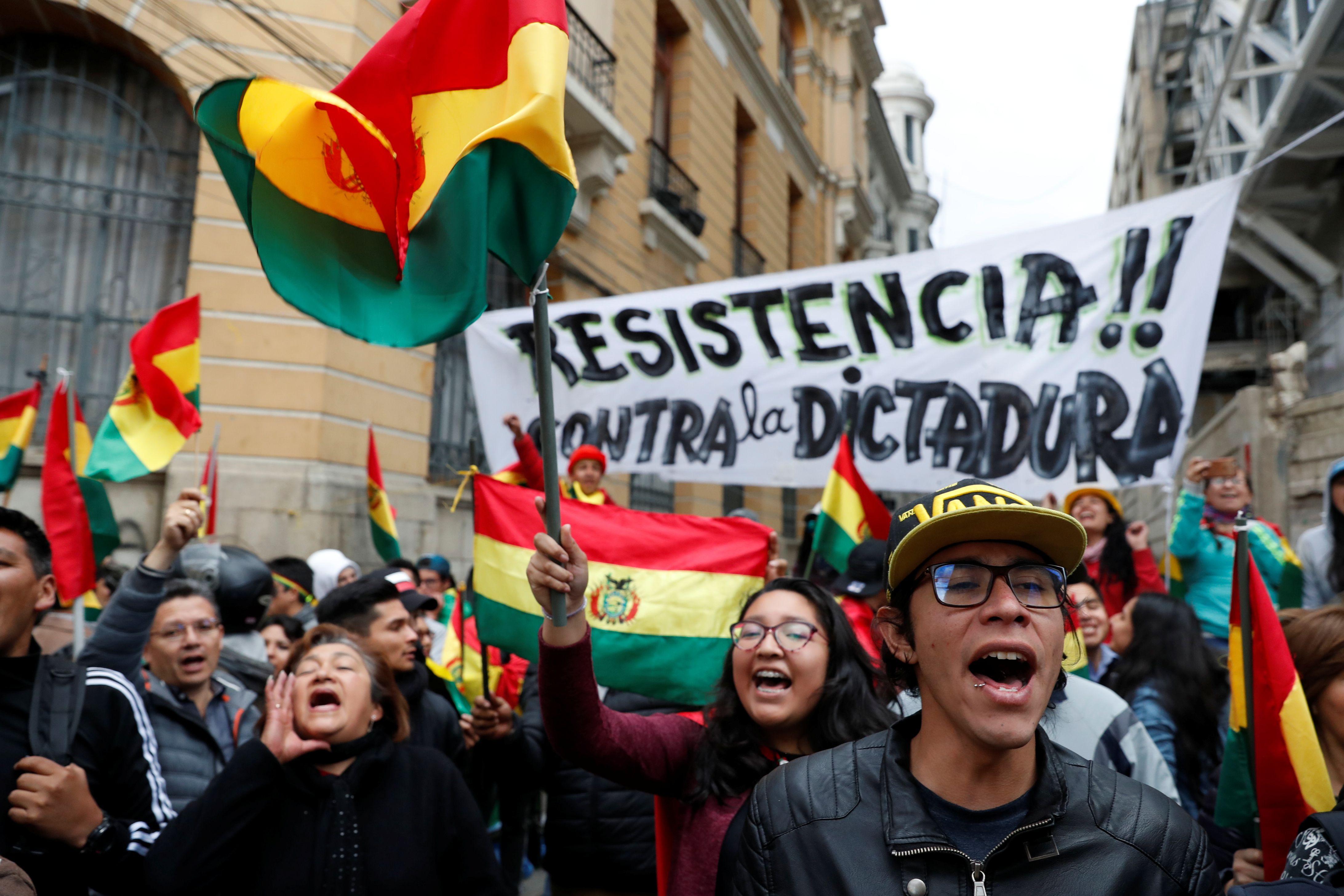 Manifestaciones en La Paz en contra de Evo Morales. (REUTERS/Carlos Garcia Rawlins)