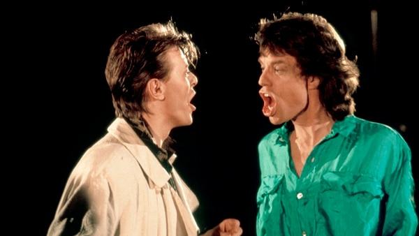 Mick Jagger y David Bowie en el videoclip de 'Dancing in the Street' (Photo by RB/Redferns)