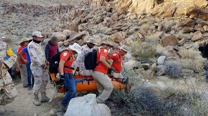 Un migrante que fue abandonado en el desierto de Baja California, fue rescatado por Grupos Beta
