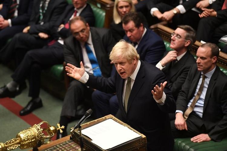 Boris Johnson en el Parlamento británico (©Parlamento Británico/Jessica Taylor/Handout via REUTERS)