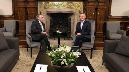 Mauricio Macri y Alberto Fernández durante su reunión por la transición en la Casa Rosada