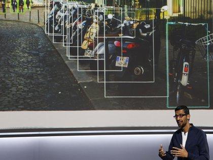 Sundar Pichai mostró el uso de inteligencia artificial para detectar imágenes REUTERS/Stephen Lam