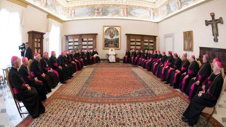 El Papa, como en otras ocasiones, evitó una definición sobre un eventual viaje al país