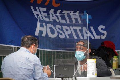 Un centro de testeos por Covid-19 en Brooklyn, Nueva York.  REUTERS/Brendan McDermid