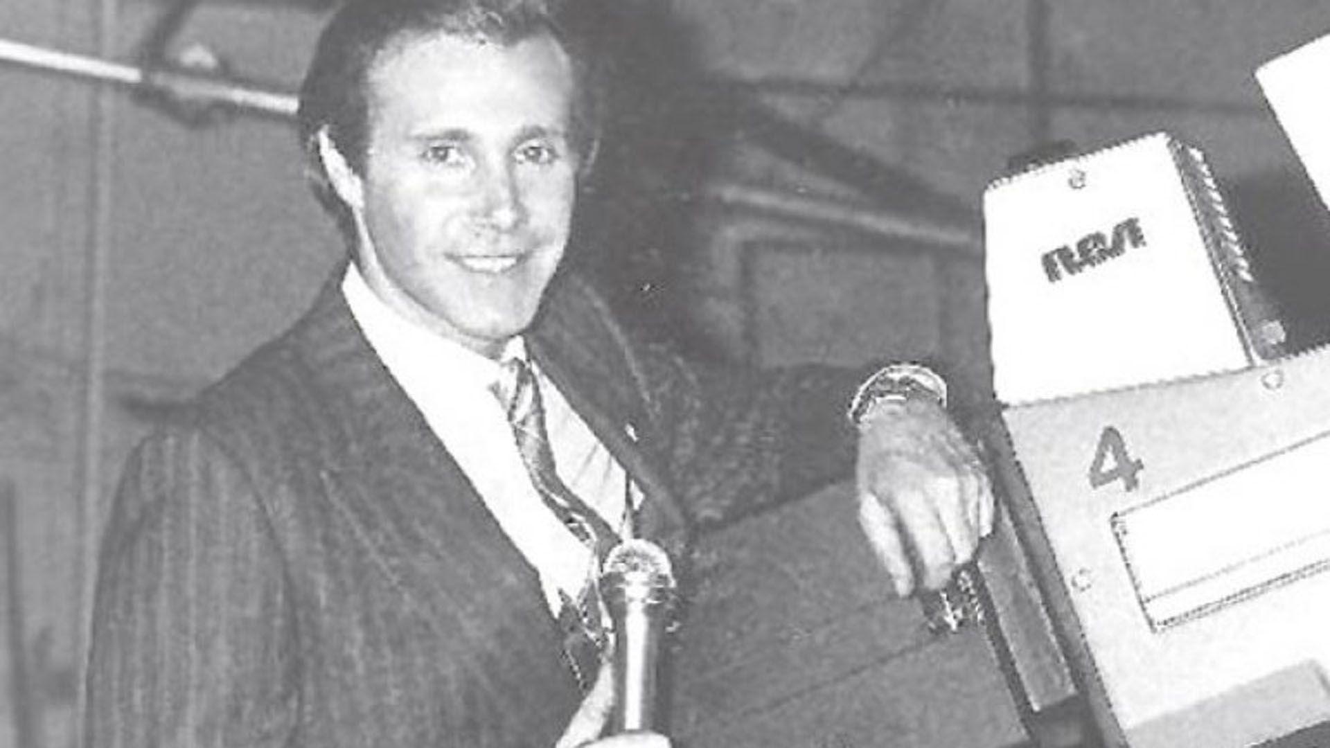 Leonardo Simons era uno de los conductores más populares y más admirados con casi treinta años al frente de ciclos televisivos