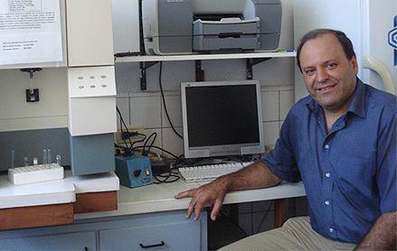 Guillermo Docena, Bioquímico e Inmunólogo, profesor titular de Inmunología de la Universidad Nacional de La Plata e investigador principal de CONICET