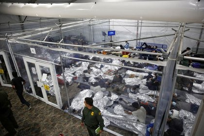 Las menores fueron rescatadas por los agentes fronterizos y estuvieron bajo su custodia, detalló la Patrulla Fronteriza (Foto: Dario Lopez-Mills/Pool vía REUTERS)