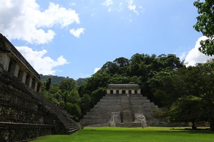 El auge más importante de Palenque se dio durante el gobierno de K'inich Janaab' Pakal entre el año 615 y 683 después de Cristo, cuya tumba se encuentra en el Templo de las Inscripciones. (Foto: Fernando Guarneros Olmos/Infobae México)