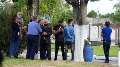 Los restos de Menem llegaron al cementerio pasadas las 16.40 de este lunes