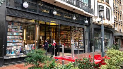 Una librería en el centro de Montevideo (Catalina Weiss)