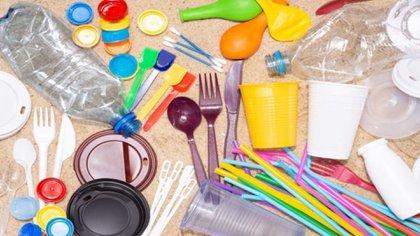 En el Concejo de Bogotá aprueban proyecto de acuerdo mediante iniciativas para que el Distrito desincentive la utilización de utensilios de un solo uso de carácter plástico / (Momento24).