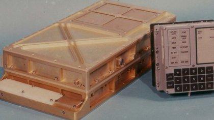 La computadora creada por Alonso, y que llevó al Apolo 11 a la Luna, tenía un procesador que corría a 0,043 MHz. Hoy en día, un procesador de última generación de un smartphone de alta gama tiene ocho núcleos de los cuales cada uno puede llegar hasta los 2,73 GHz