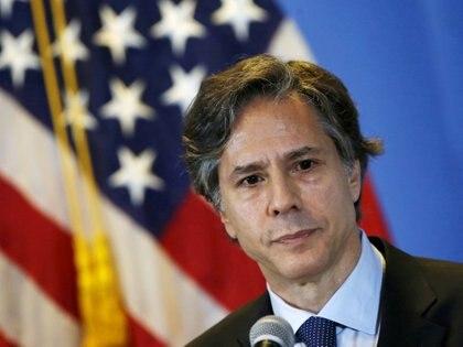 El entonces subsecretario Anthony Blinken en una conferencia de prensa en 2015 (REUTERS / Henry Romero / Archivo)