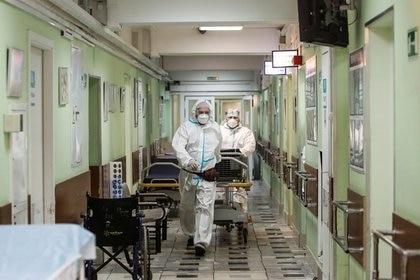 FOTO DE ARCHIVO. Hospital en Moscú. REUTERS/Maxim Shemetov