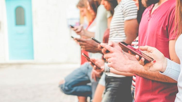 Tienes pocos segundos para causar una buenas impresión antes de que descarten o elijan. (Shutterstock)
