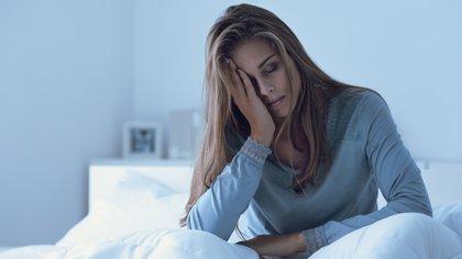 Está comprobado que dormir menos de siete horas diarias disminuye la expectativa de vida (Shutterstock)