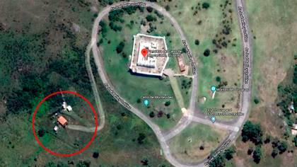El puesto de guardia donde hallaron los cadáveres de los tres infantes