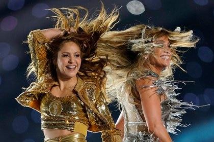 Shakira y Jennifer Lopez deslumbraron en el show de medio tiempo del Super Bowl 2020. ¿Qué sucedió con sus estilos? (Reuters)