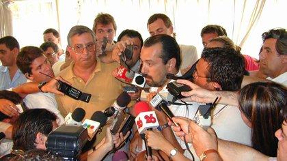 Durante la internación, los médicos de Cantegril fueron brindando partes médicos sobre la salud de Maradona (Foto Baires)