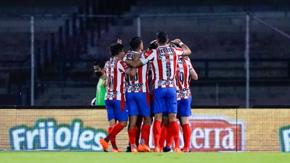 El Nene indicó que este partido es tan relevante que, por el golpe anímico, el equipo que pase a las semifinales será el favorito para llevarse el campeonato (Foto: Twitter/ @Chivas)