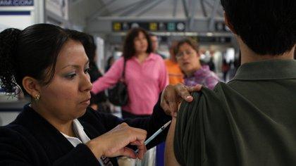 Karla Báez, directora de acceso a la innovación de la Asociación Mexicana de Industrias de Investigación Farmacéutica (AMIIF), dijo que trabajan en conjunto con las autoridades de salud y las llamó a mantener esfuerzos para mejorar las coberturas de manera permanente. (Foto: Rodolfo Angulo/ Cuartoscuro)