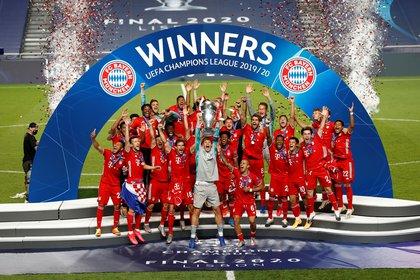Pese a que no hubo público, los festejos del Bayern se hicieron oir dentro del estadio da Luz de Lisboa