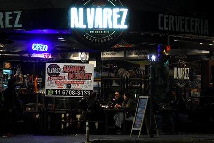 Los bares y cervecerías estuvieron colmadas durante el fin de semana en la Ciudad
