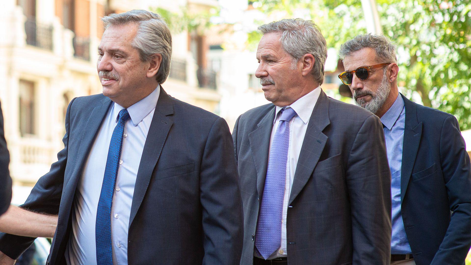 Alberto Fernández y Felipe Solá en España (Crédito: Alejandro Ríos)