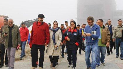 Maduro, Cilia Flores, Marlene de Cabello y otros funcionarios en el Ávila