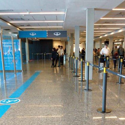La Dirección Nacional de Migraciones exige el pago de una tasa migratoria de $9 mil para los extranjeros de países no limítrofes que quieran ingresar al país para visitar a familiares